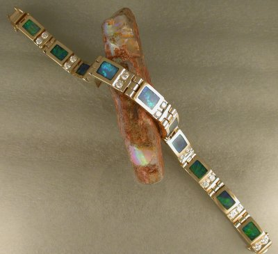14KT yellow gold link bracelet with opal inlay & diamonds